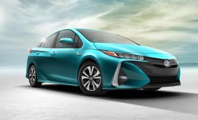 Discover the future of cars and transportation technology via @carsfera www.carsfera.com #cars #autoshow #conceptcars #conceptvehicles #bestcarstobuy #showroom #testdrive #safecar #safestcars #cars2017 #cars2018 #2017_Toyota_Prius_Prime
