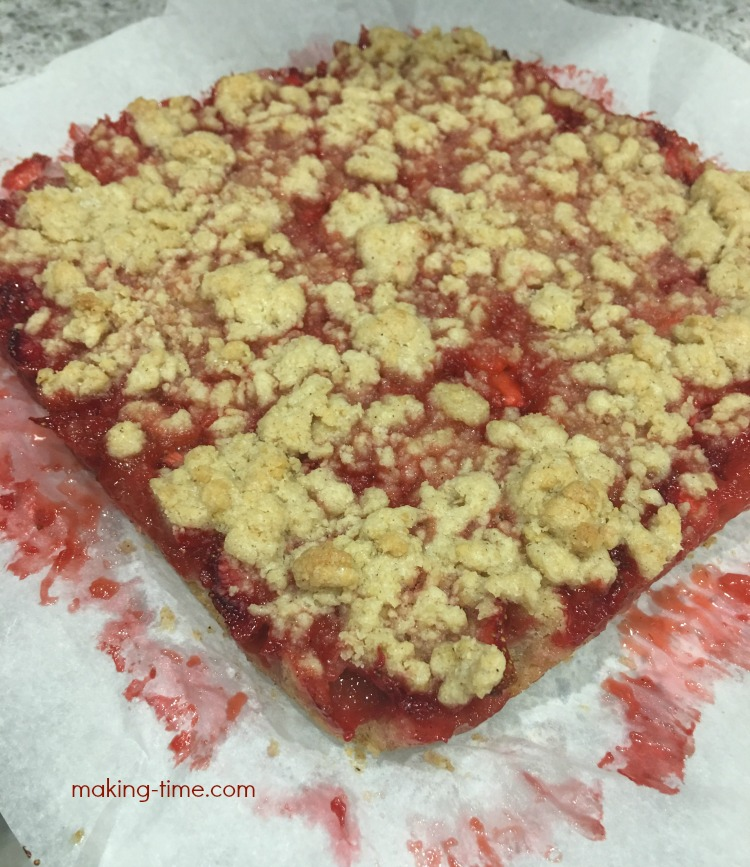 Last week we went strawberry picking and came home with more strawberries than I knew what to do with. So I baked us up some Strawberry Streusel Squares and they were delicious! #recipe #strawberrypicking #strawberries