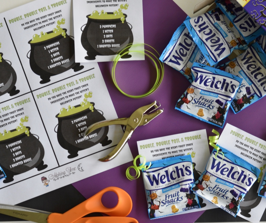 Double Double, Toil & Trouble! Witches Fruit Snack Cauldrons | #WelchsFruitSnacks #Halloween #DIY