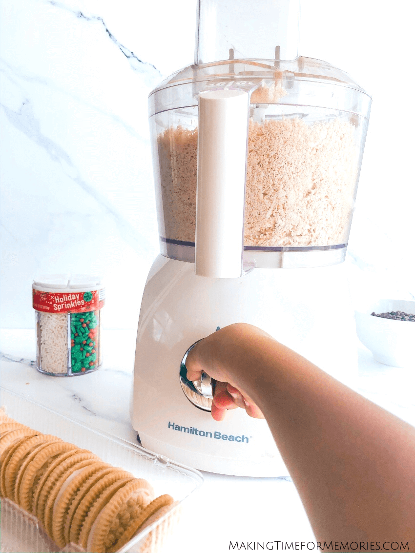crushing cookies in food processor