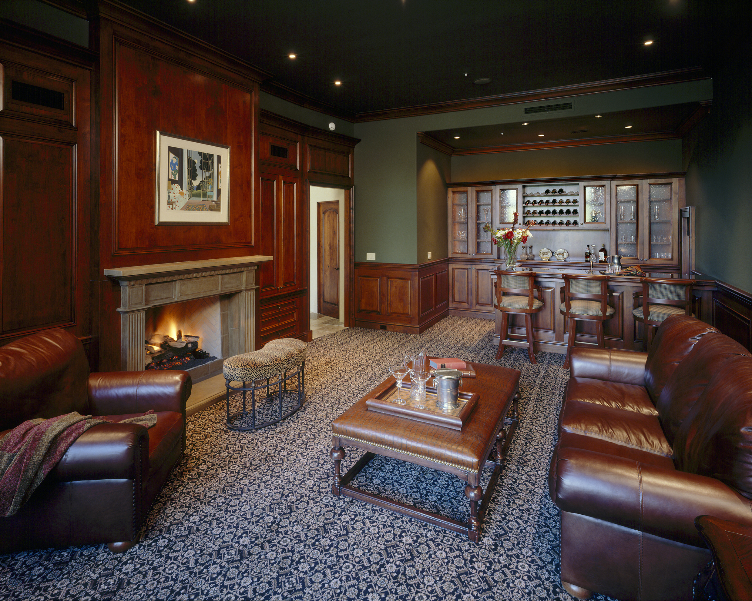 Boston Room, Boston Bar, Clubroom, Clubroom cabinetry, Man cave, man cave cabinets, exclusive finish, stain and glaze finish, wainscoting, crown moulding,