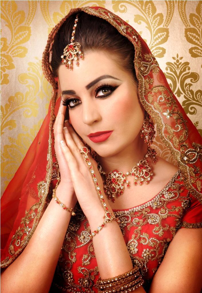 Beautiful--Fabulous-Bridal-Makeup-2015-for-Women