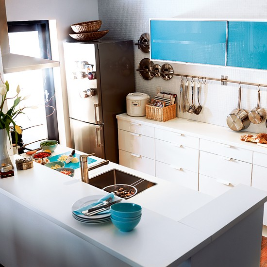 Glass and white gloss kitchen