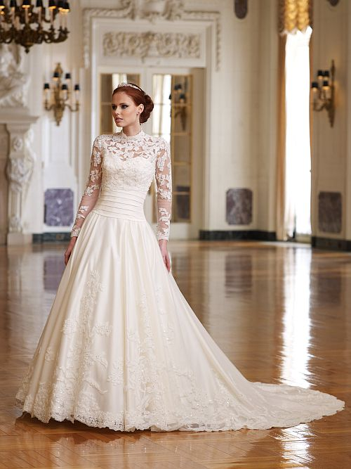 lace-wedding-dress-with-sleeves-and-open-back
