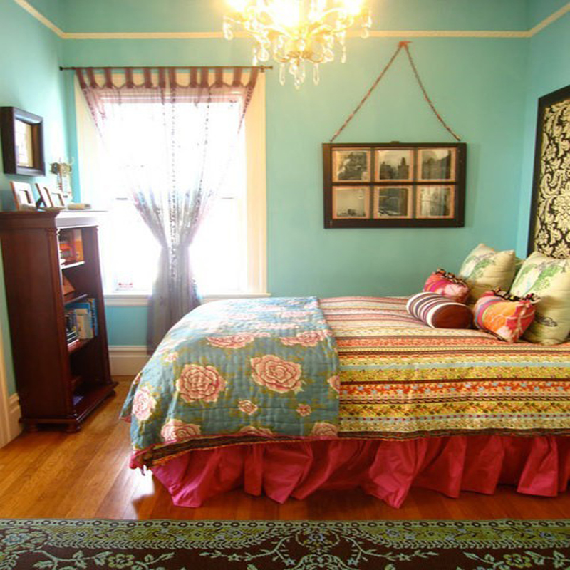 Colorful-Traditional-Bedroom-at-Awesome-Colorful-Bedroom-Design-Ideas