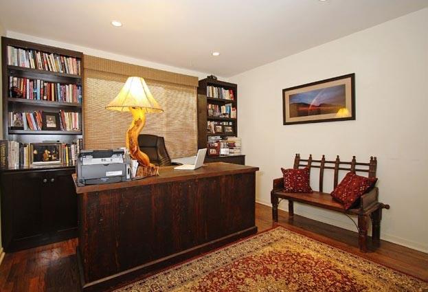 Enchanting-Traditional-Villas-Home-Office-Design-in-Santa-Monica-California