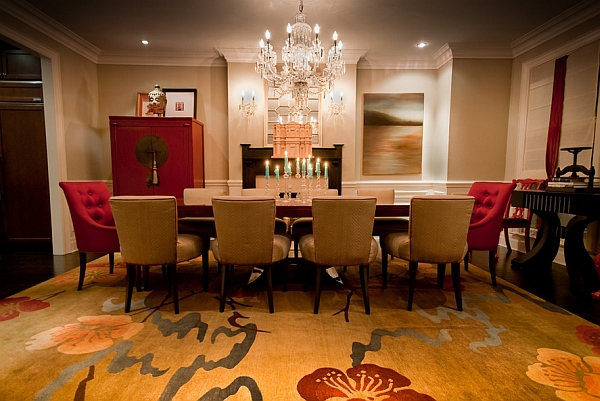 Red-and-gold-dining-room-with-Chinese-influences