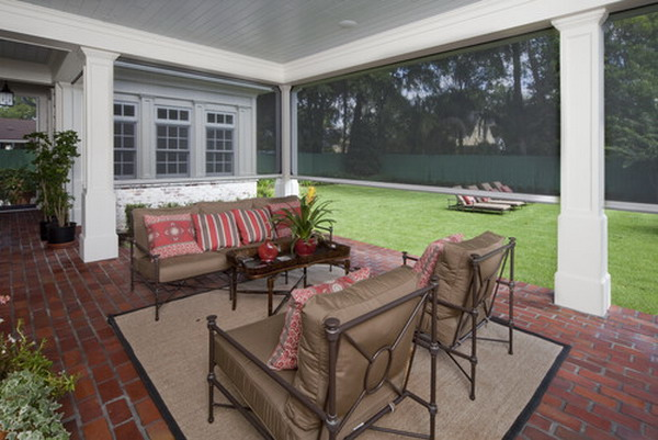 Traditional-Outdoor-Patio-with-Nice-Screen