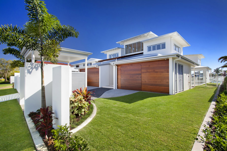 airy-beachfront-home-with-contemporary-casual-style
