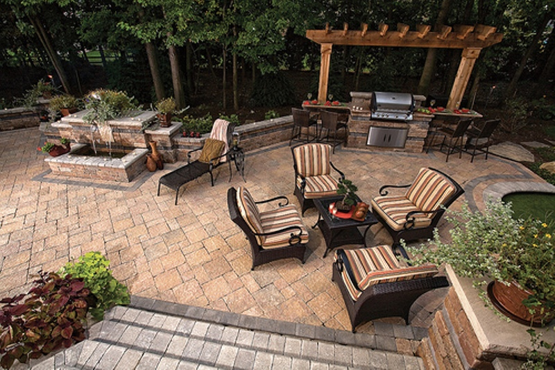 outdoor-patio-with-kitchen