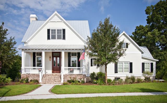 Coastal Cottage Home beach-style-exterior