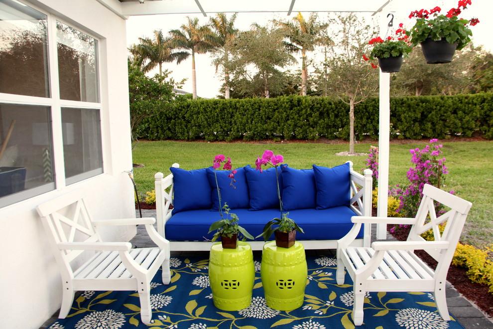 Delightful-Navy-Blue-home-interior-design-Beach-Style-Patio-Miami