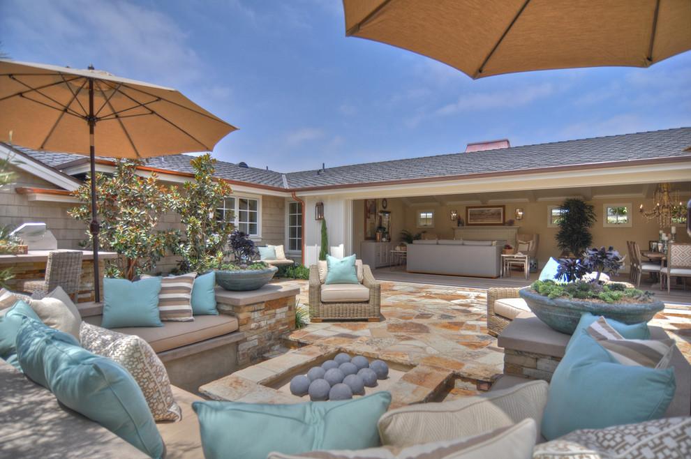 Ravishing-Toss-Pillows-home-interior-design-Beach-Style-Patio-Los-Angeles