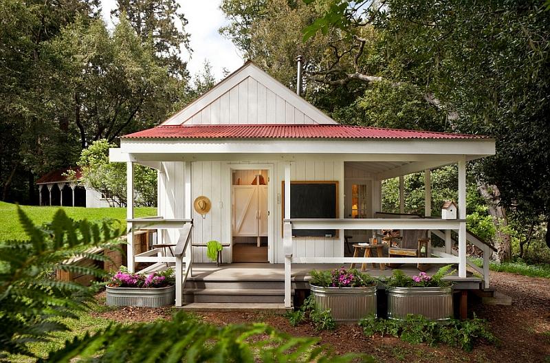 Small-porch-idea-for-the-farmhouse-style-home
