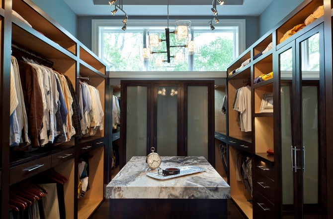 The-best-industrial-lighting-fixtures-for-your-closet-decor5