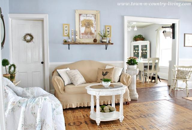 farmhouse livingroom design.