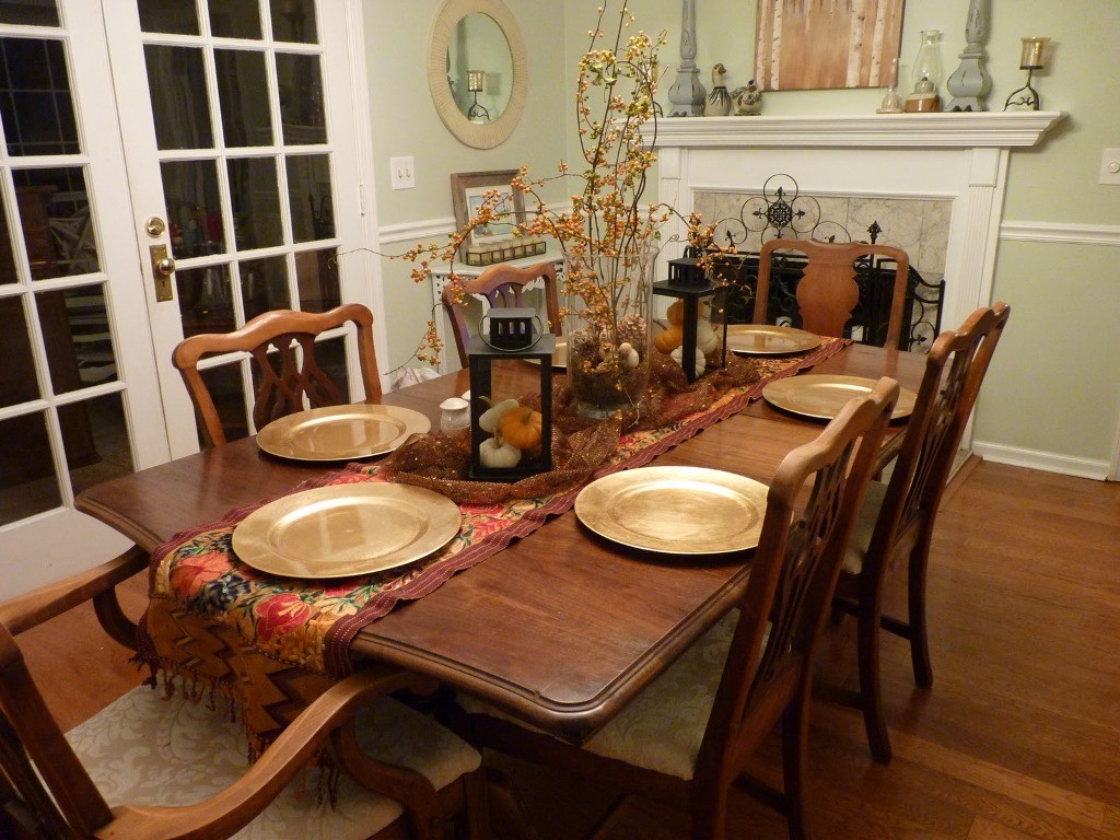 dining-room-table-decor-and-decorating-ideas-for-dining-room-table