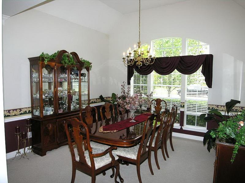 formal-dining-table-decorating-ideas