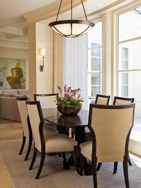 simple-Dining-Room-Table-Centerpiece-Ideas
