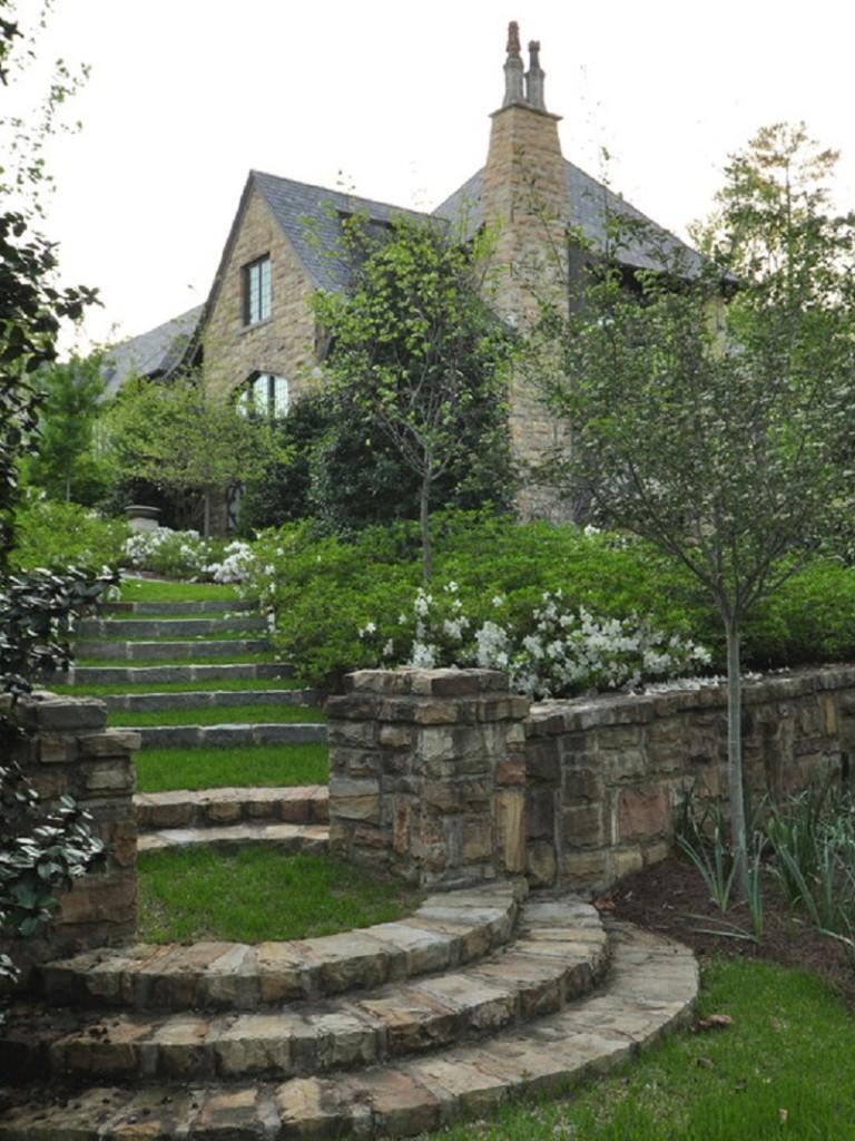 Great-Look-of-Vintage-Style-Garden-Patio-Landscape-Ideas