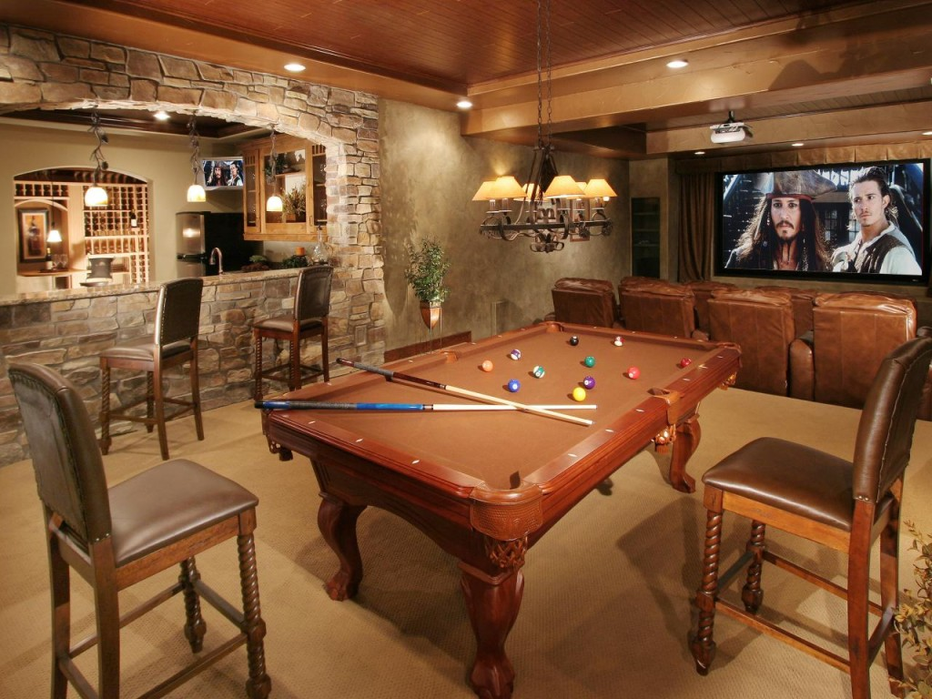 RMS_Mountain-rustic-man-cave_s