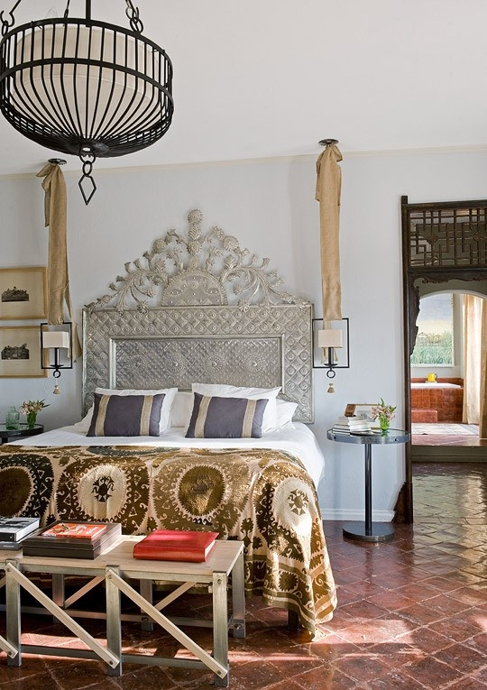 Refined-Boho-Chic-Bedroom-Designs-_