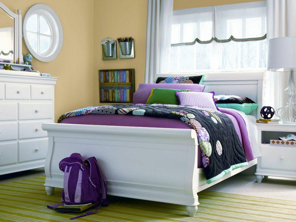 Sleigh-Bed-Mirror-Nightstand-