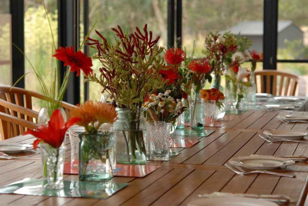 decorating-christmas-table-decor-ideas-