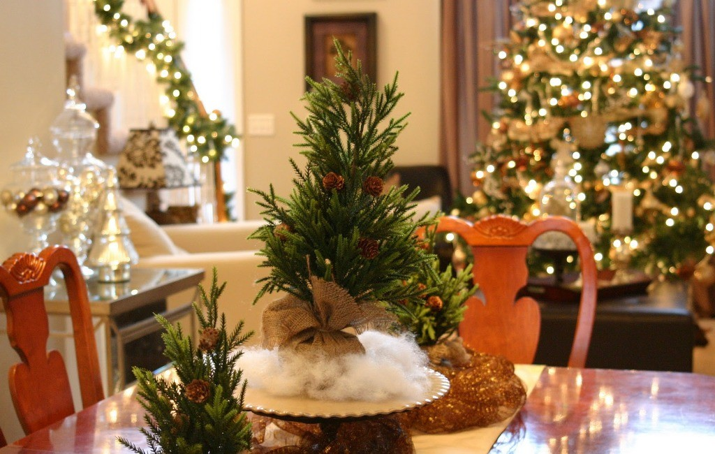 dining-room-centerpieces-christmas