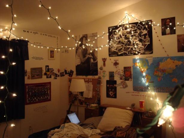 white-hanging-LED-string-lights_