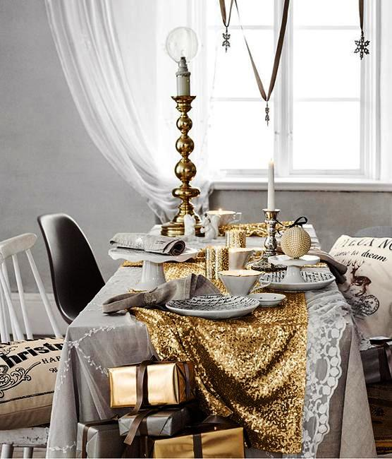 country-christmas-decorating-ideas-traditional-colors-