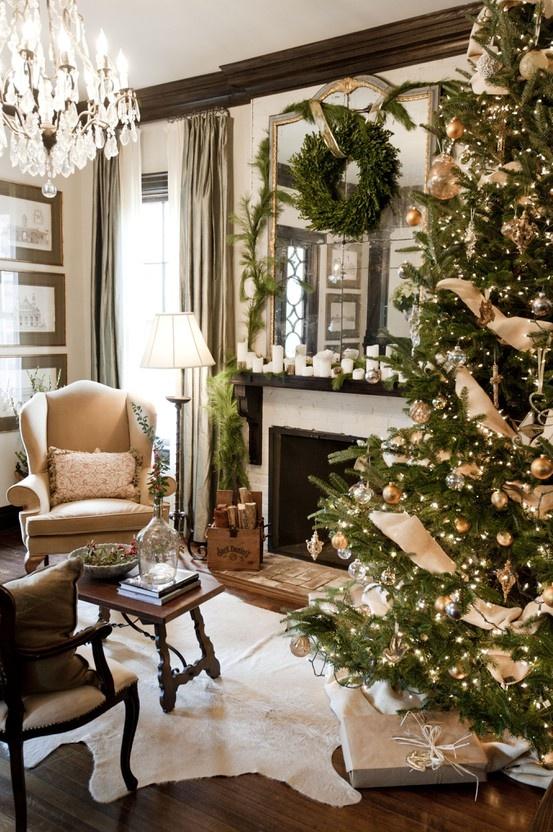 fake-christmas-tree-living-room-christmas-decorating-ideas