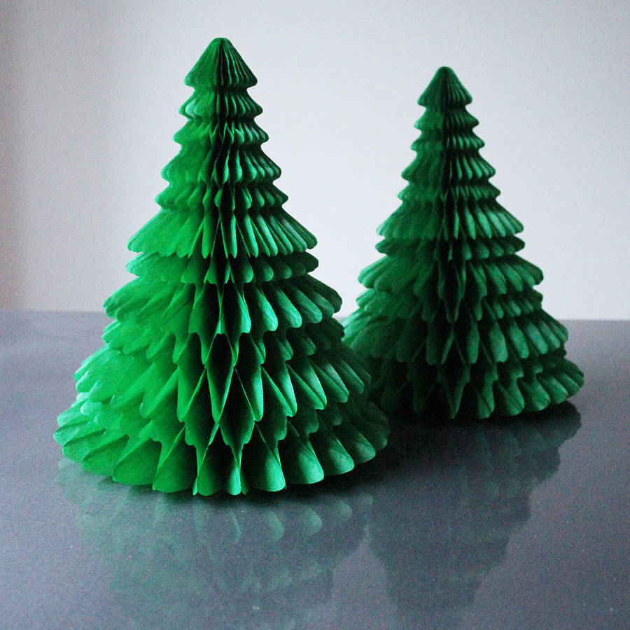 little-christmas-tree-decoration-small-space-living-room-ideas