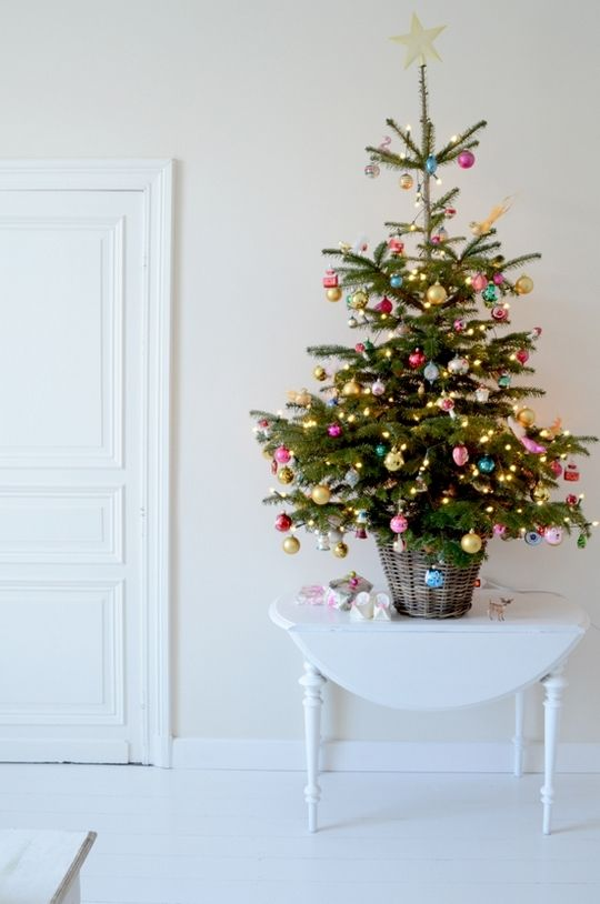 space-saving-christmas-trees-for-small-spaces
