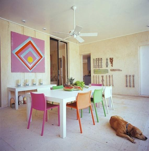 colorful-dining-room-ideas_with-multicolored_chairs