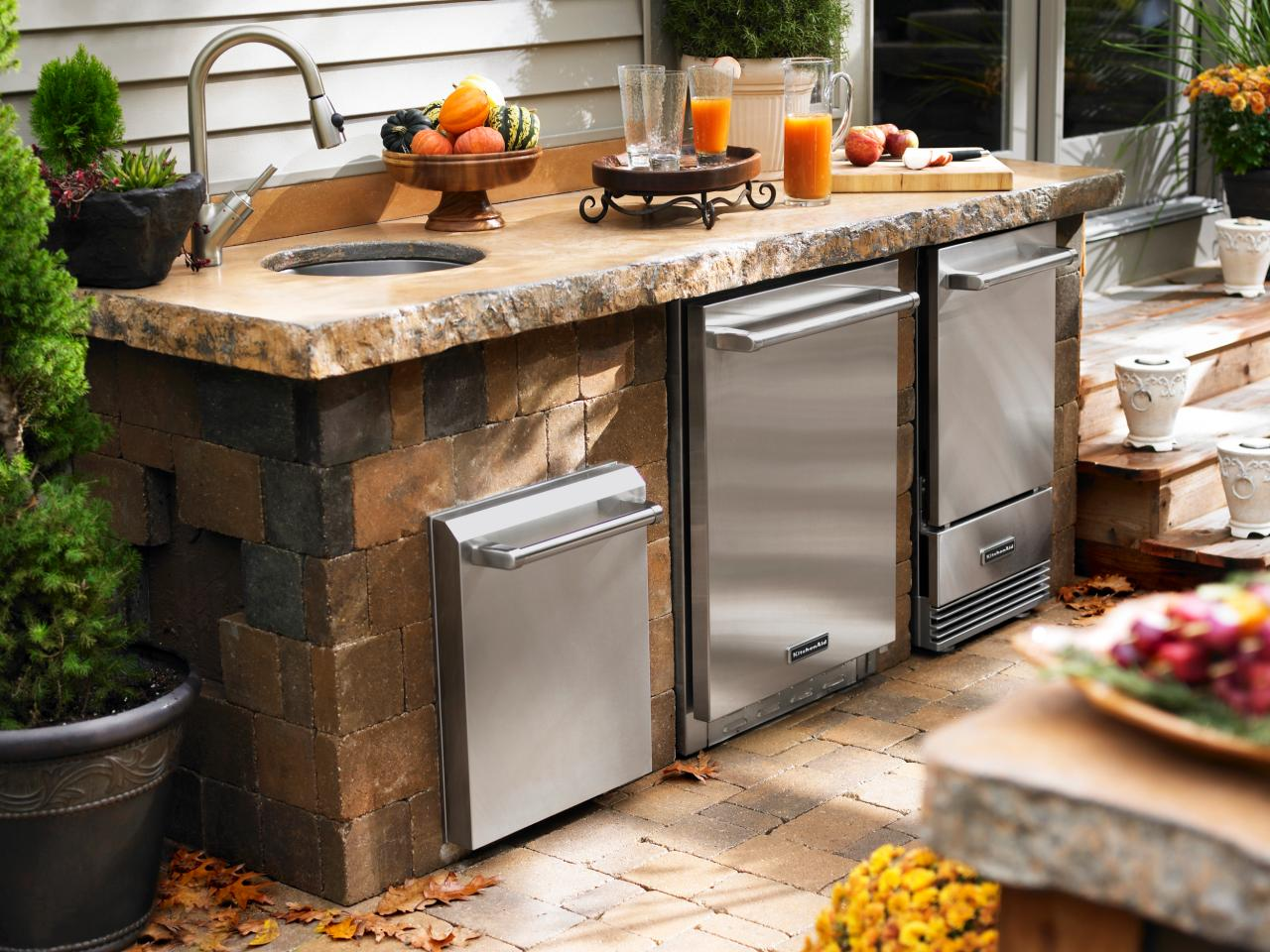 Covered Patio with Gray Outdoor Kitchen
