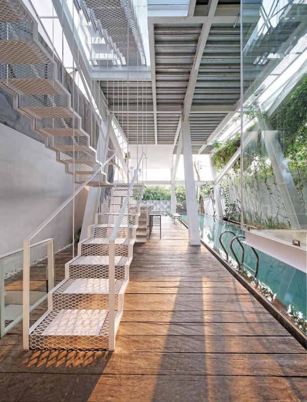 Roundup-Interior-Pools