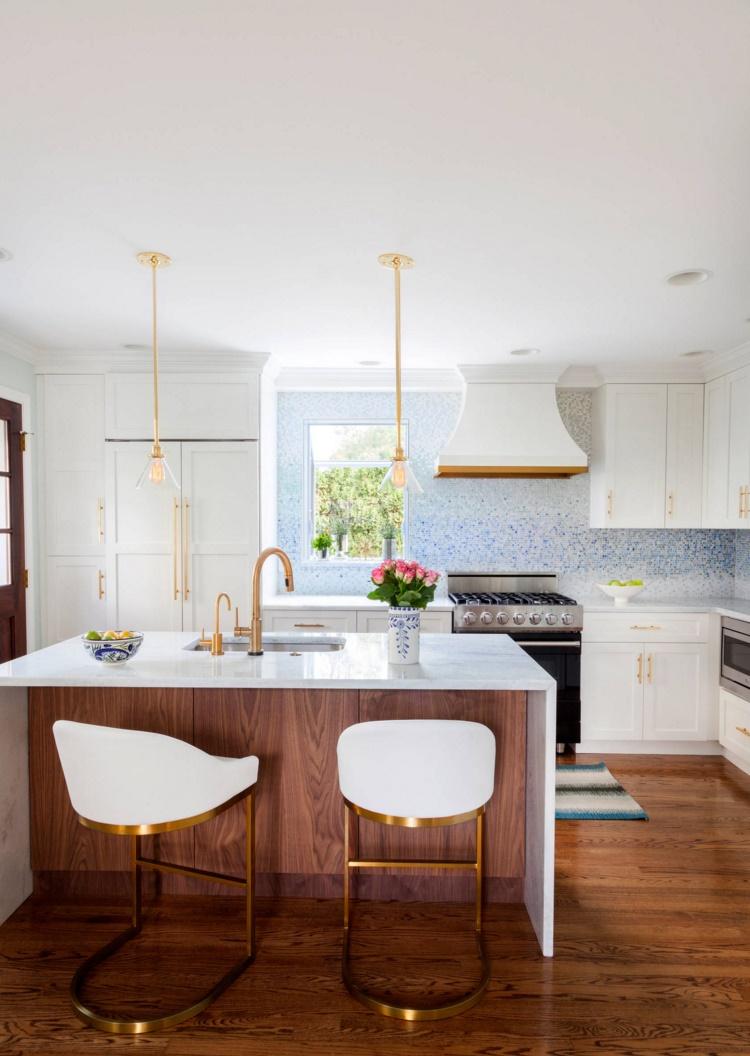 Modern-kitchen-filled-with-unique-details