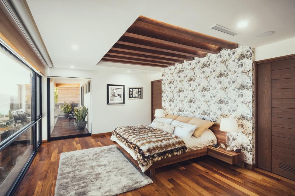 Stunning Modern Master Bedroom Decorating Idea
