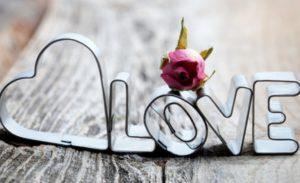 15 Creative DIY Valentine's Decorations Ideas