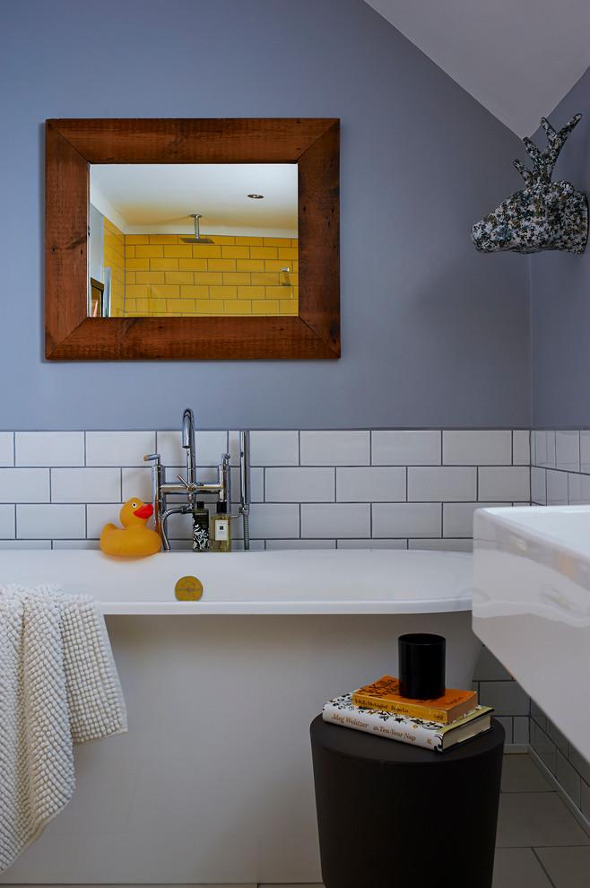 Bathtub With Large Mirror