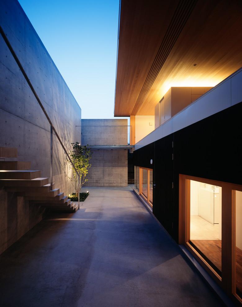 Modern Backyard Patio Design