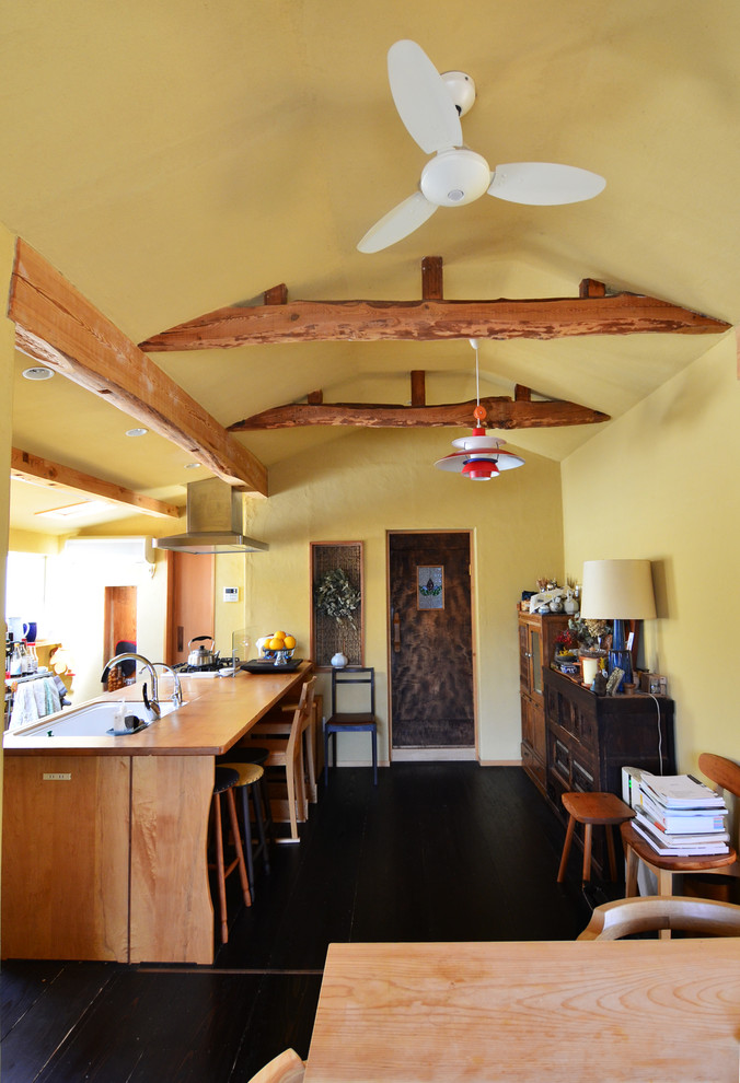 Craftsman Eat-In Kitchen