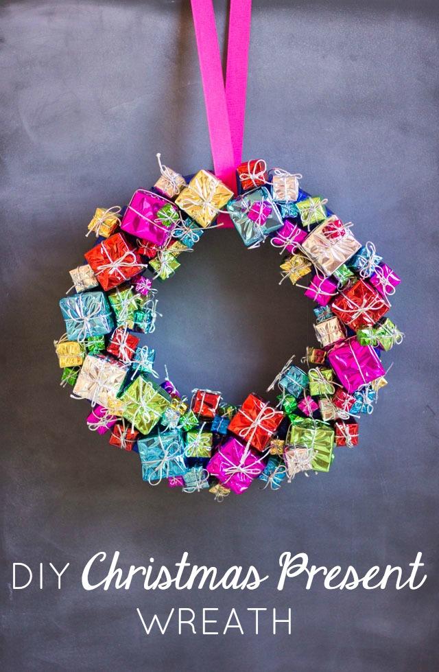 DIY Mini Gift Box Christmas Wreath