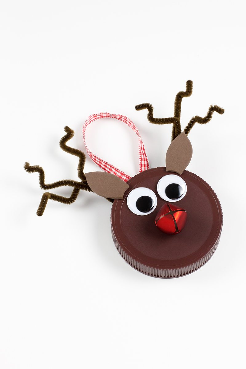Simple Jar Lid Reindeer Ornament