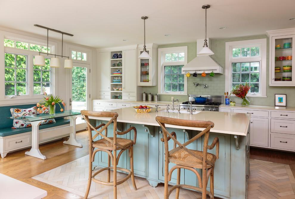 Beach Style Open Concept Kitchen