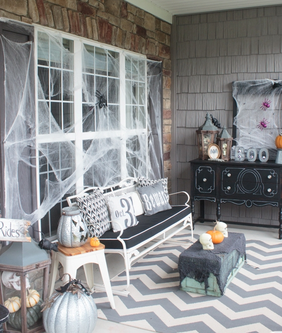 Scary Front Porch Halloween Decorations