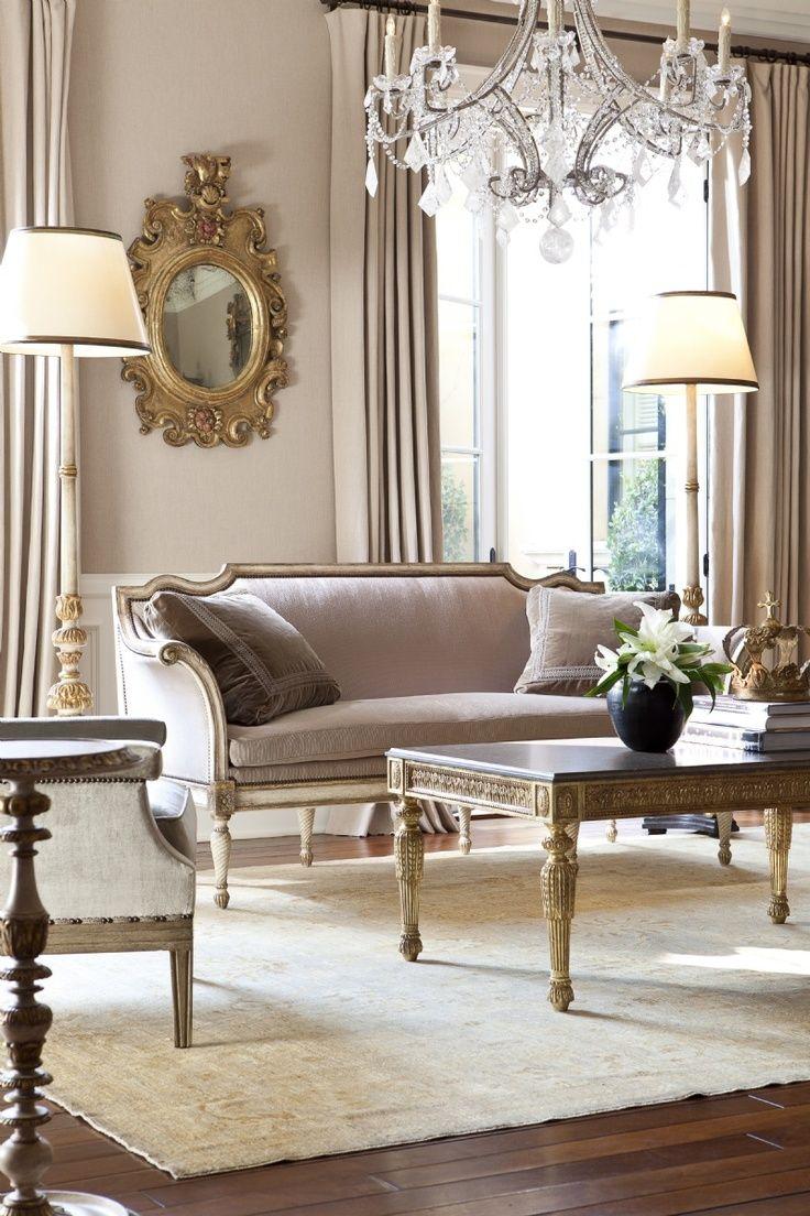 Formal-Victorian-Living-Room-Design