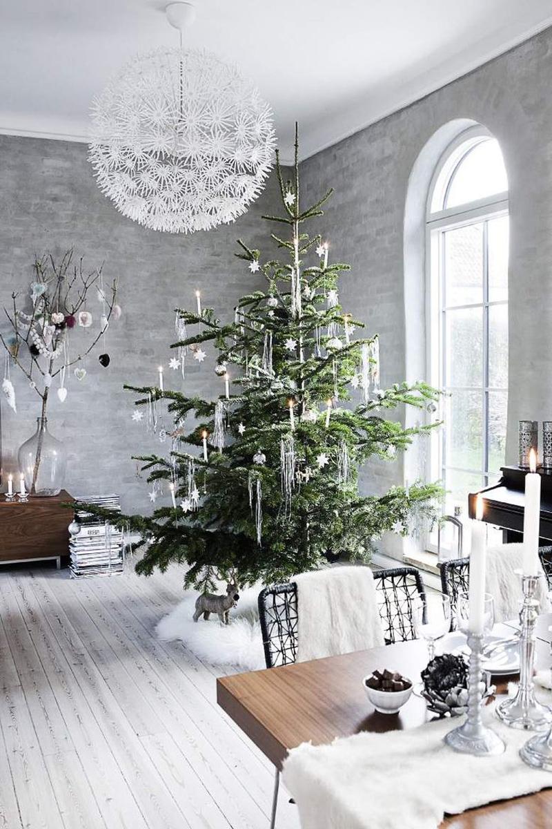 Natural Christmas tree Dwellingdecor