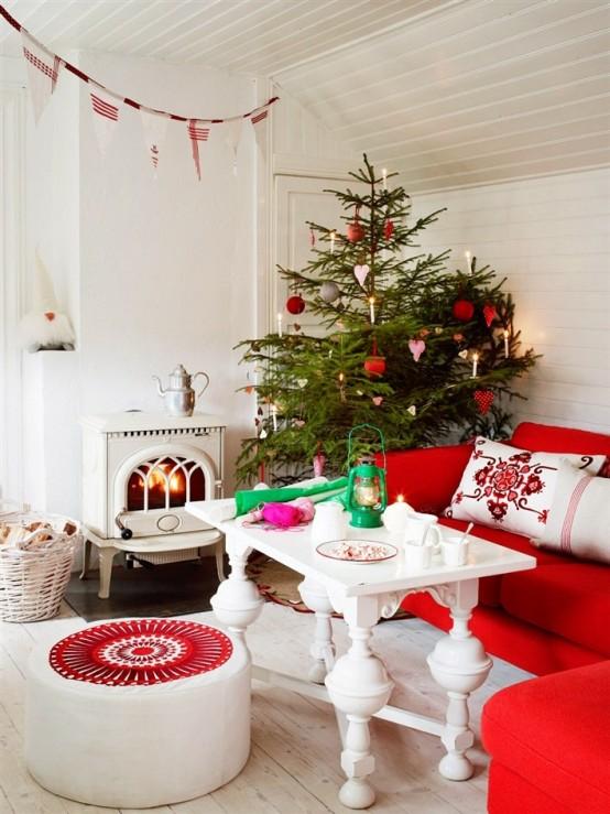 Christmas Living Room Decor Ideas thewowdecor (17)